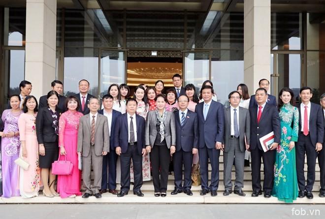 越南国会将继续倾听企业特别是中小企业的意见