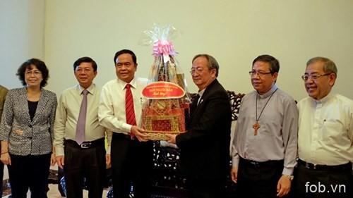 祖国阵线中央委员会主席走访胡志明市宗教神职人员
