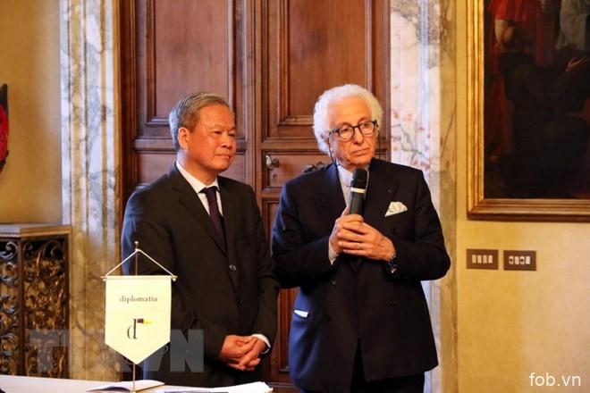 意大利比亚乔集团副总裁:越南是外国投资商理想的投资目的地