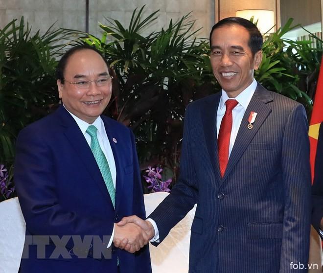 越南阮春福总理同印尼和缅甸两国总统举行双边会晤