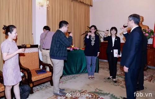 凤凰卫视作为首家中国非官方媒体在越南设立记者站