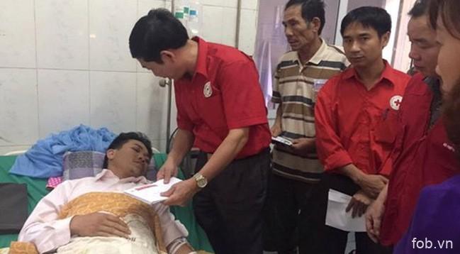 越南红十字会紧急救助灾民