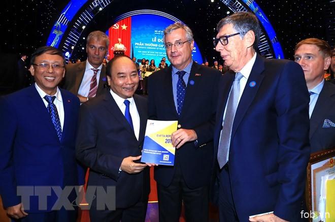 政府总理阮春福:越南承诺继续改善投资环境