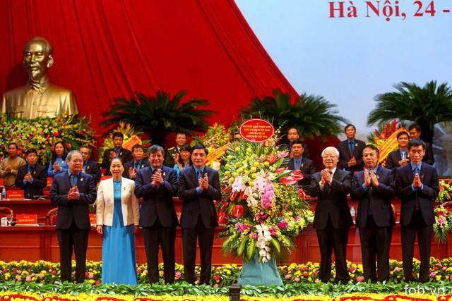 越南工会第十二届全国代表大会全体会议隆重开幕