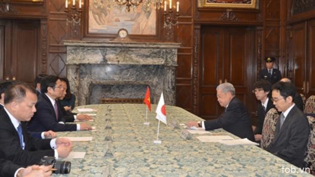 范明正部长会见日本参议院议长伊达忠一和外务大臣河野太郎