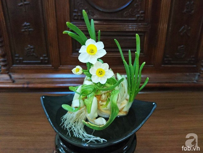 河内市民春节养水仙的乐趣
