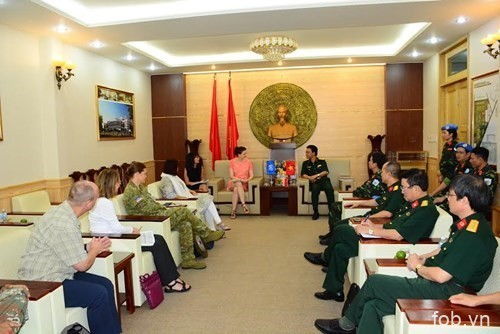 联合国工作代表团访问175号军医院