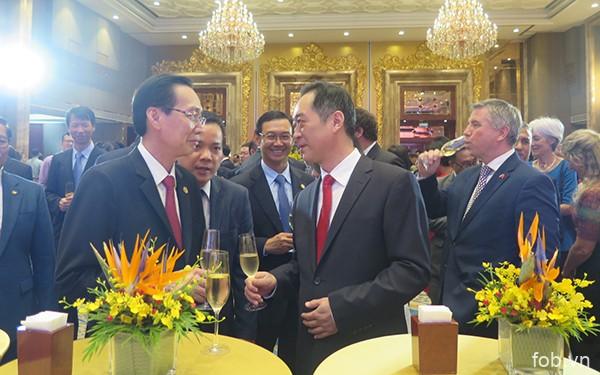 庆祝中国国庆节69周年招待会在胡志明市举行