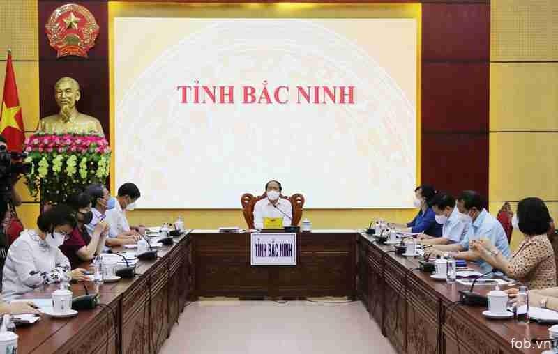 黎文成副总理:创造一切条件帮助北宁早日战胜疫情